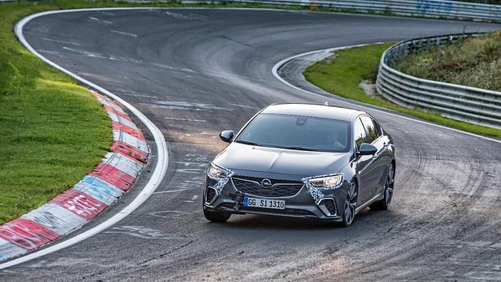 Opel-Insignia-GSi-Nurburgring