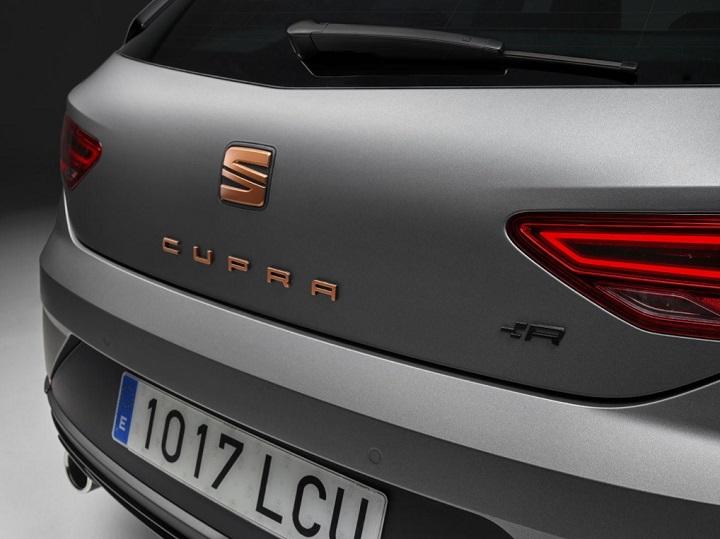SEAT-Leon-Cupra-R-2018