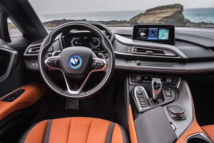 BMW-i8-Roadster-interior