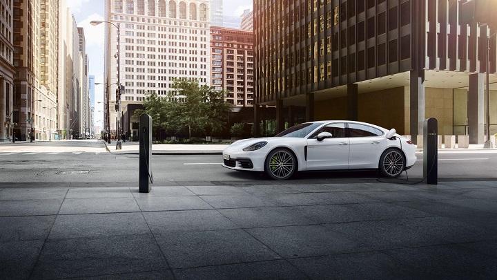 Porsche-Panamera-4-E-Hybrid