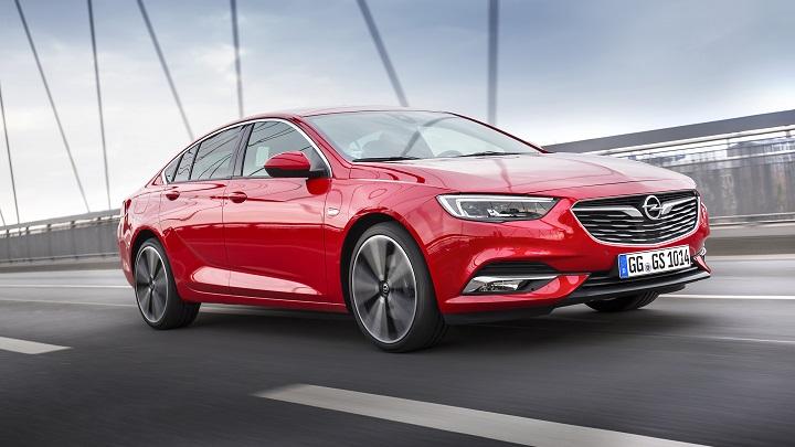 Opel-Insignia-Grand-Sport-rojo