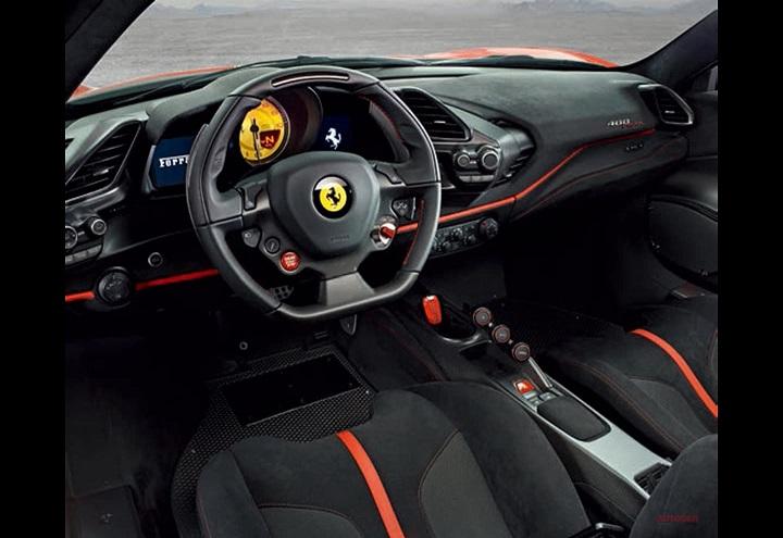 Ferrari-488-Pista-interior