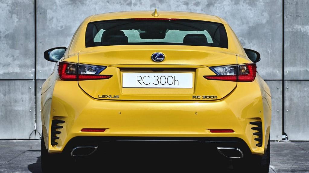 Lexus-RC-300h-2018