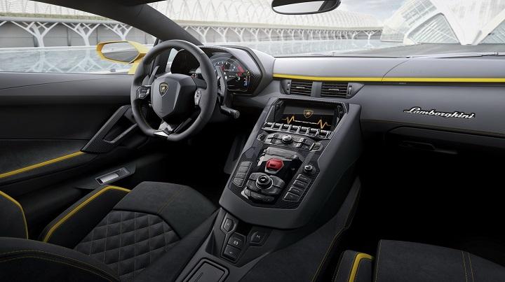 interior-Lamborghini-Aventador-S