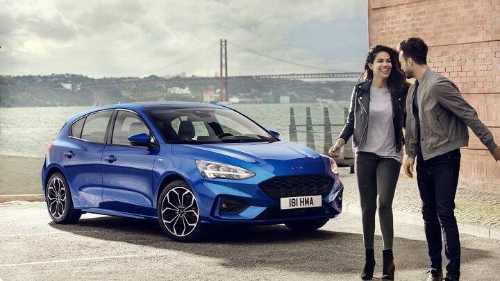 Ford-Focus-2018-azul