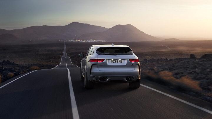 Jaguar-F-Pace-SVR-gris