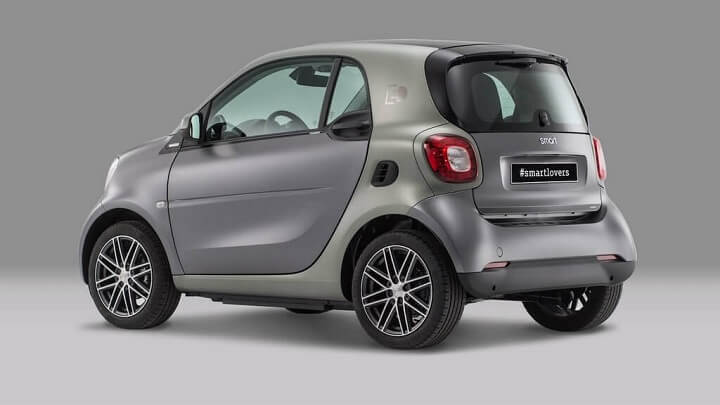 Smart-fortwo-electric-PullandBear