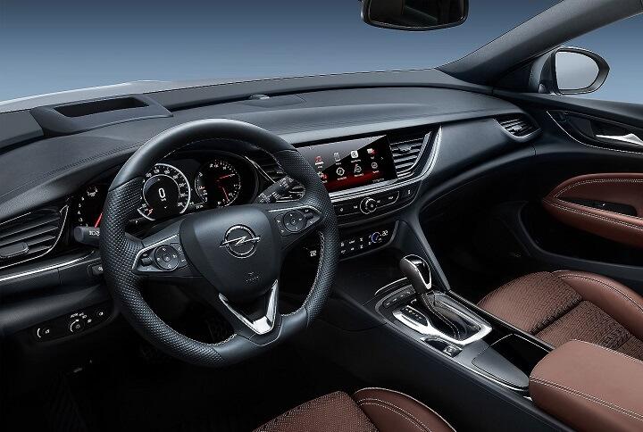 Opel-Insignia-2018-interior