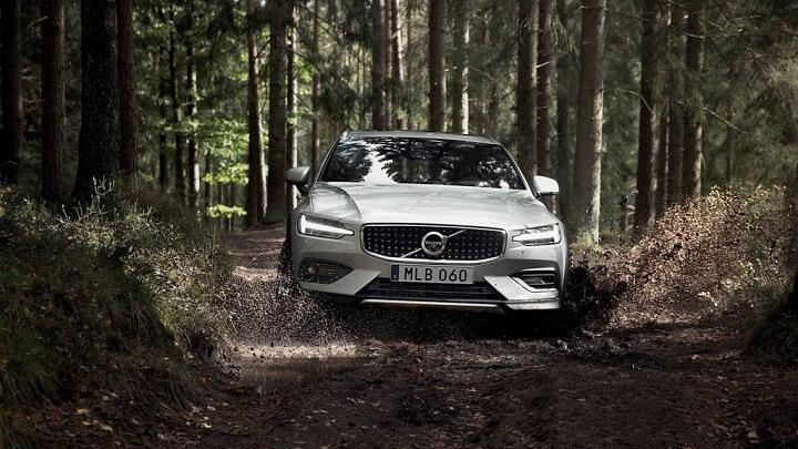 Volvo-V60-Cross-Country-2019
