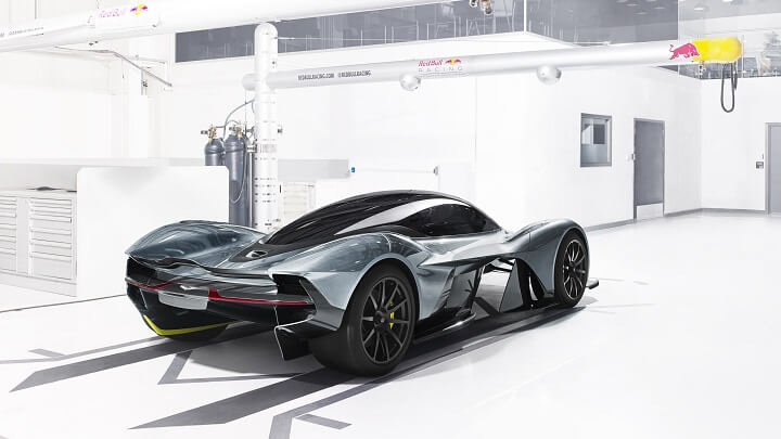 Aston-Martin-Valkyrie-zaga